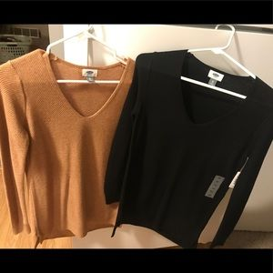 NWT Set of 2 XS Old Navy sweaters